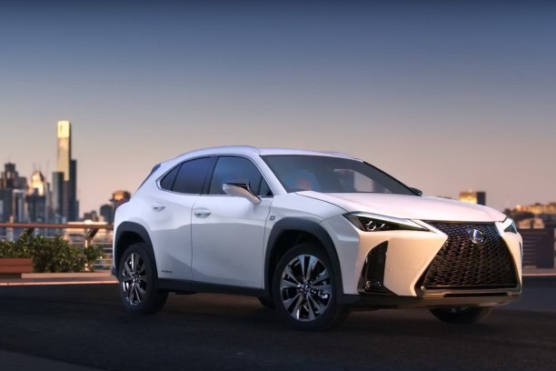 lexus ux premi res photos et vid o avant le salon de. Black Bedroom Furniture Sets. Home Design Ideas