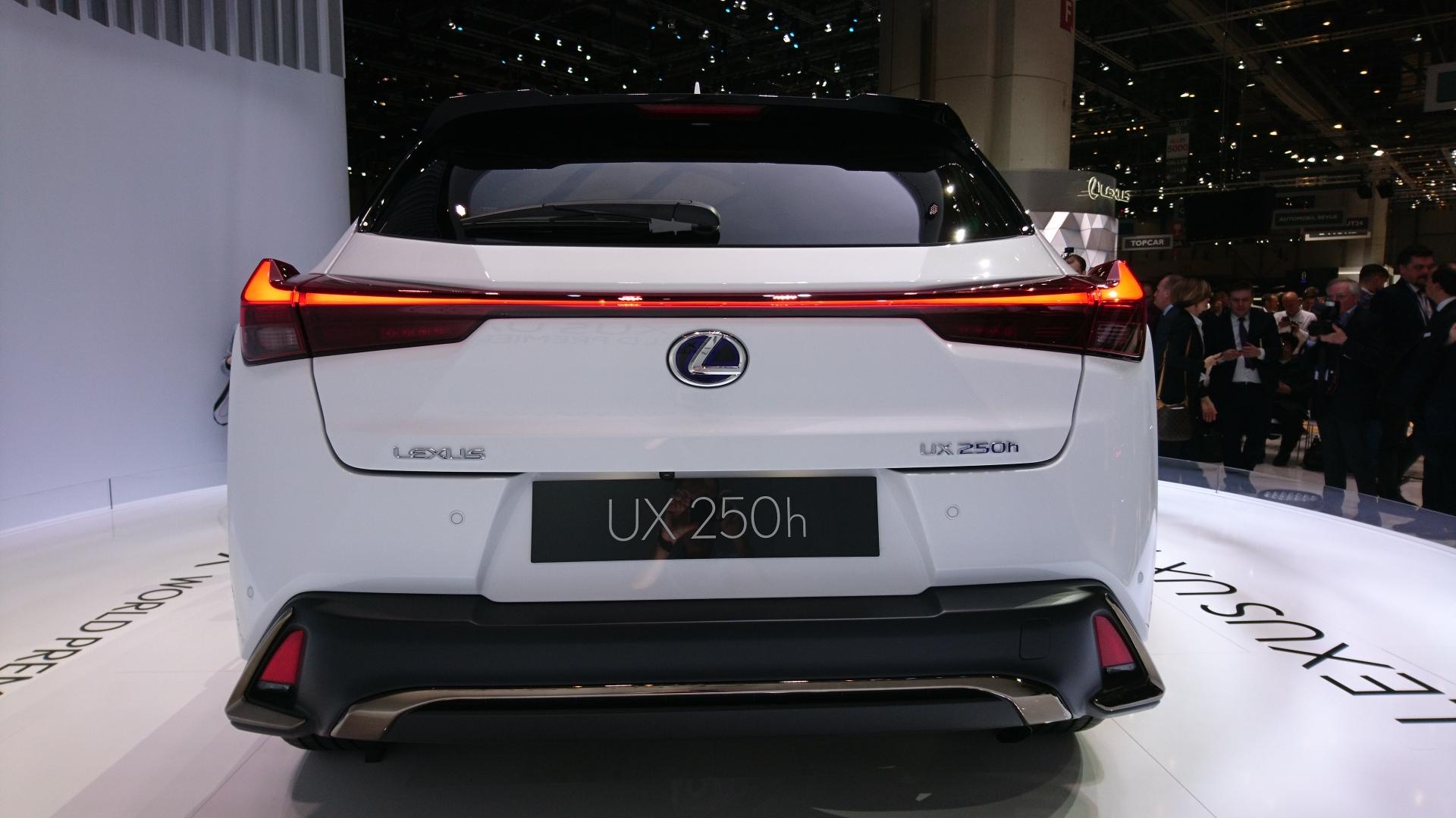 lexus-ux-geneve-2018-0678.jpg