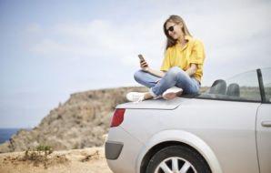 Carlili offre un service de livraison de voiture de location à domicile, pour les particuliers comme les entreprises.