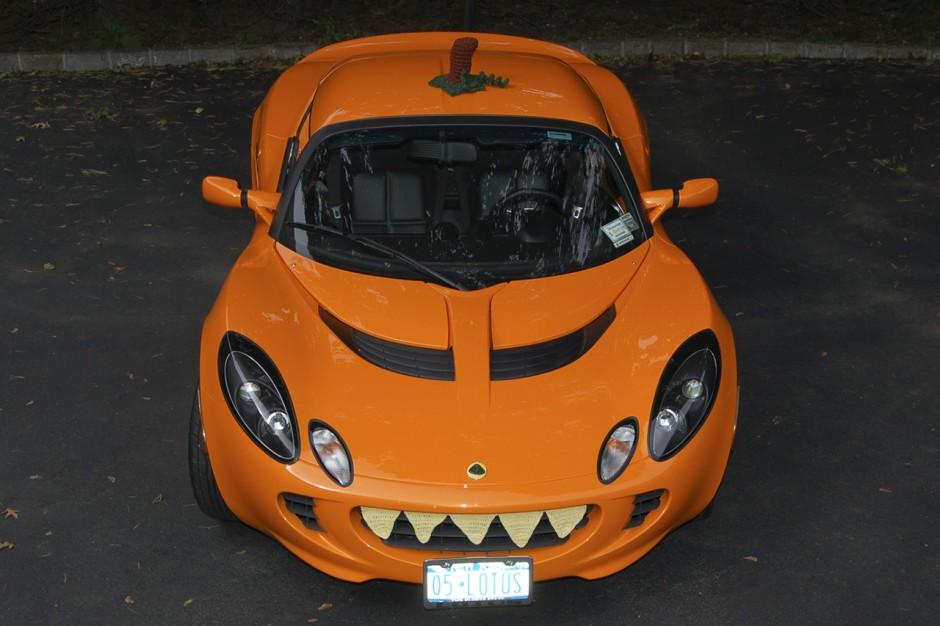 les voitures les plus effrayantes pour halloween lotus elise l 39 argus. Black Bedroom Furniture Sets. Home Design Ideas