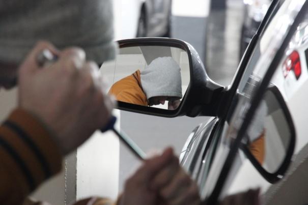 assurance auto quelle garantie choisir pour les pannes de voiture l 39 argus. Black Bedroom Furniture Sets. Home Design Ideas