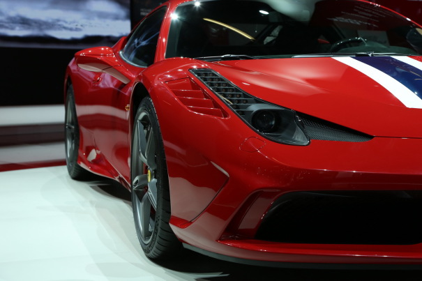 photos et vid os de ferrari 458 ferrari 458 italia speciale 0 100 km h en 3 secondes. Black Bedroom Furniture Sets. Home Design Ideas