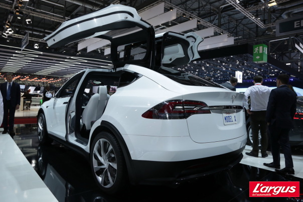 Et maintenant le monospace �lectrique Model X