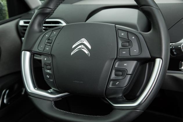 Voiture D Occasion >> Citroën C4 Picasso II Laquelle choisir