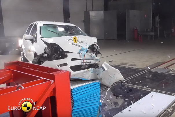 Fiat Punto : aucune étoile au crash-test Euro NCAP 2017 [VIDEO]