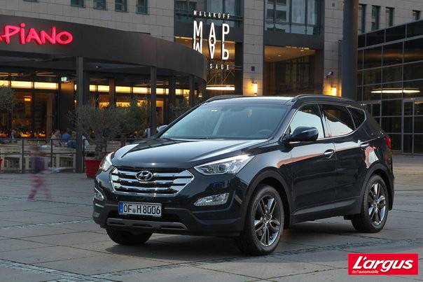Mondial de Paris Hyundai Santa Fe 4x4 Plus d'options pour la seconde g�n�ration