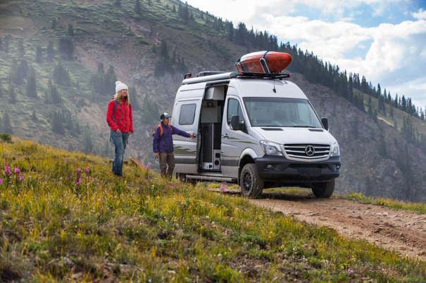 Winnebago transforme le Mercedes Sprinter en camping-car tout-terrain