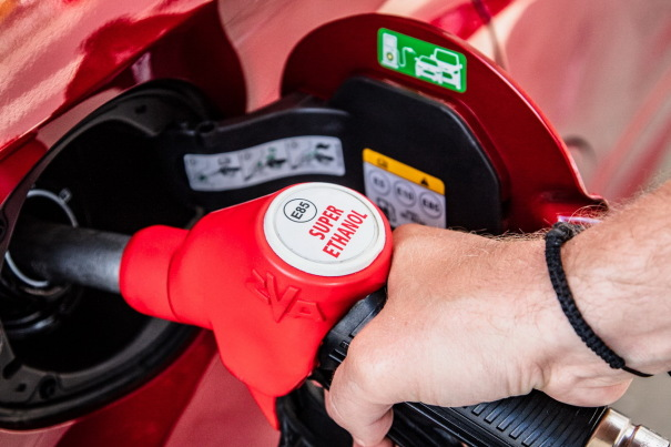 E85 : peut-on rouler à l'éthanol sans kit ?