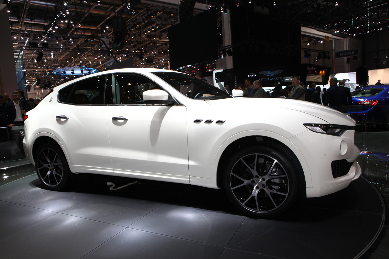 maserati levante les photos du premier suv maserati. Black Bedroom Furniture Sets. Home Design Ideas