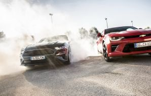 Ford Mustang Bullitt vs Chevrolet Camaro V8 : le match en 35 images !