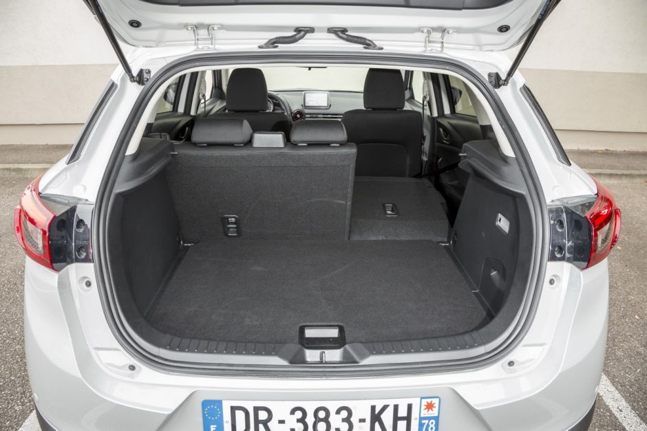essai comparatif mazda cx 3 vs renault captur le match des petits suv photo 28 l 39 argus. Black Bedroom Furniture Sets. Home Design Ideas