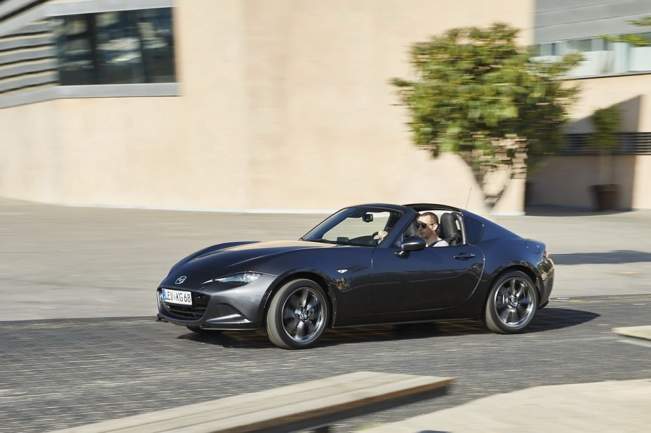 essai mazda mx 5 rf 2017 notre avis sur la miata toit rigide photo 4 l 39 argus. Black Bedroom Furniture Sets. Home Design Ideas