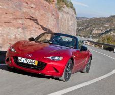 La nouvelle Mazda MX-5 version 2015 est disponible avec deux moteurs essence de 131 et 160 chevaux.