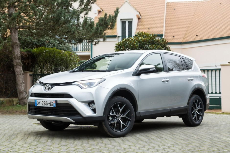 les meilleures ventes de suv en france en 2017 21e toyota rav4 8 827 immatriculations l 39 argus. Black Bedroom Furniture Sets. Home Design Ideas