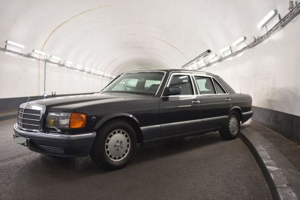 Une Mercedes 560 Sel Ex émir Du Qatar En Vente Sur Le Bon Coin