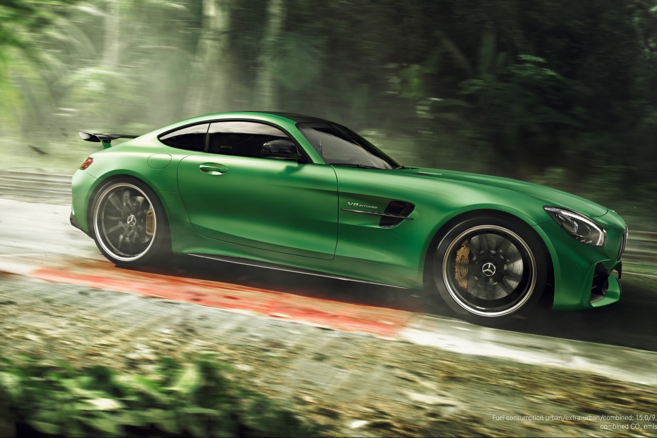 mercedes amg gt r lewis hamilton en vid o dans l 39 enfer vert l 39 argus. Black Bedroom Furniture Sets. Home Design Ideas