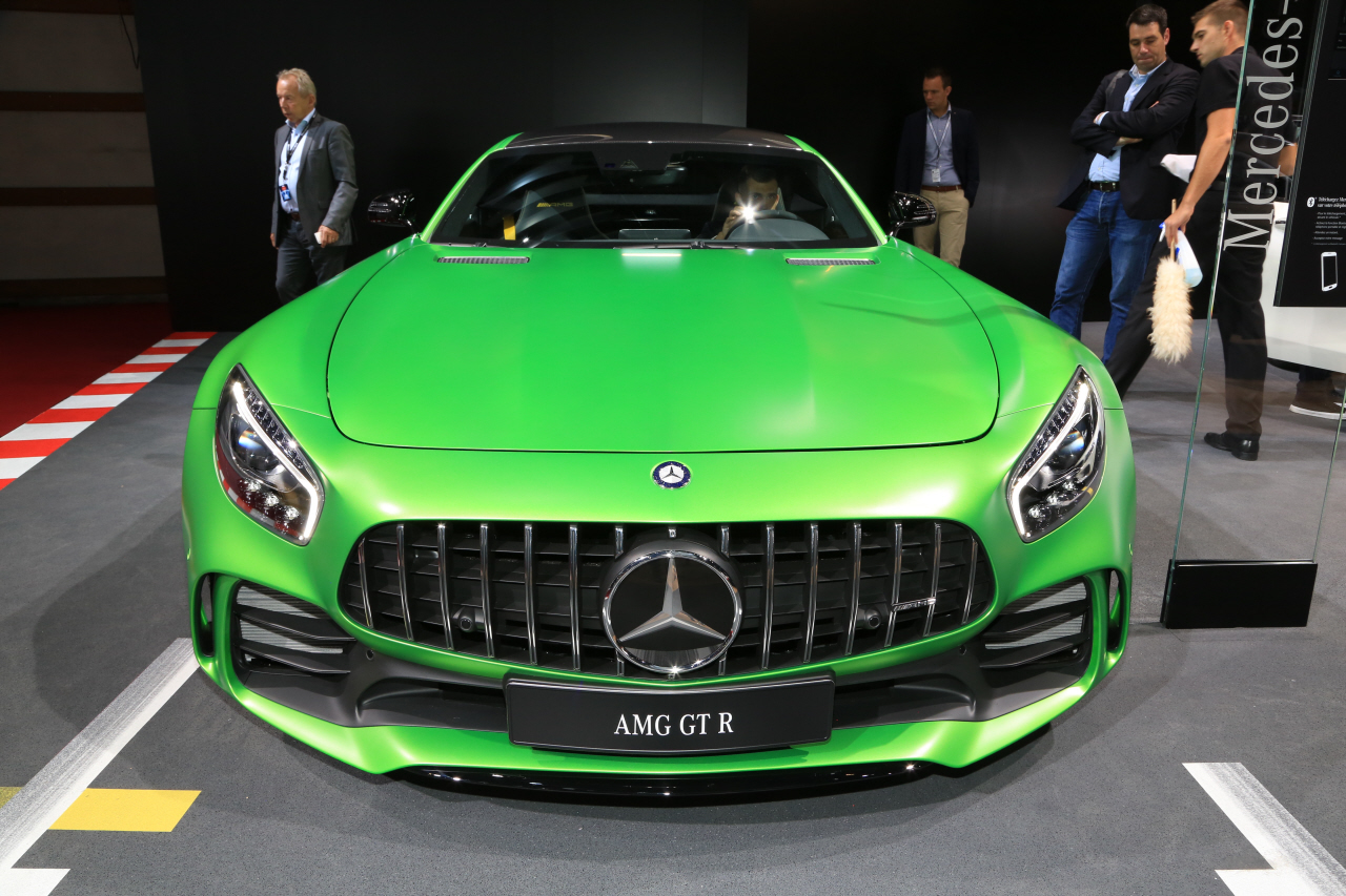 prix mercedes amg gt r 174 800 pour 585 ch photo 3 l 39 argus. Black Bedroom Furniture Sets. Home Design Ideas