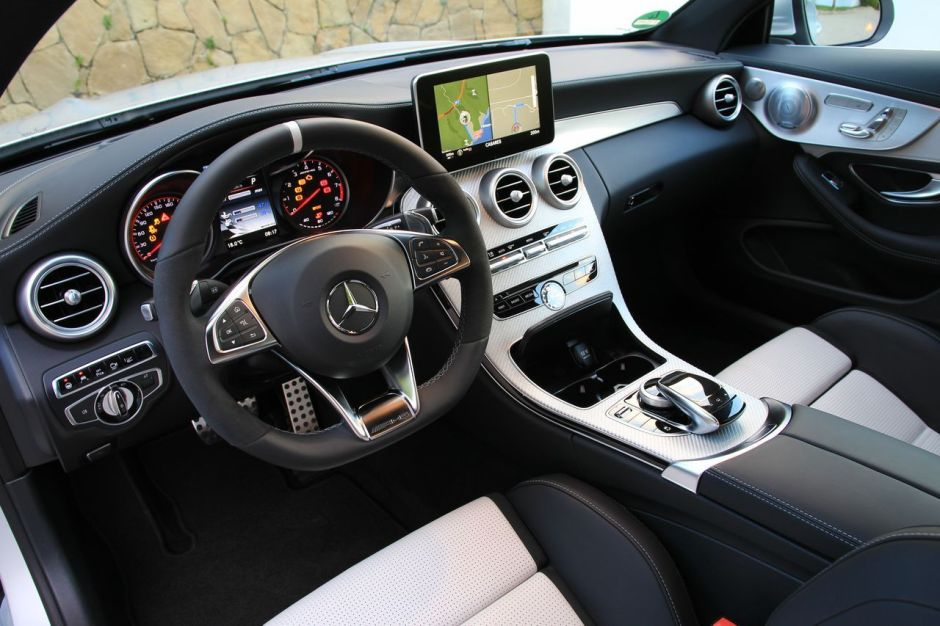 essai mercedes classe c coup amg 63 s la foudre et la. Black Bedroom Furniture Sets. Home Design Ideas
