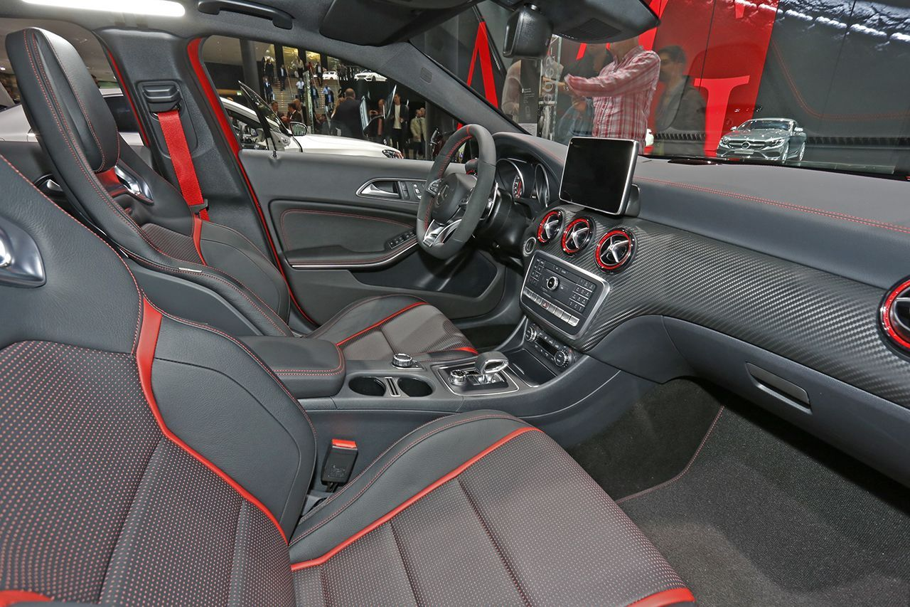 mercedes classe a 45 amg prix et photos du mod le 2015 photo 4 l 39 argus. Black Bedroom Furniture Sets. Home Design Ideas