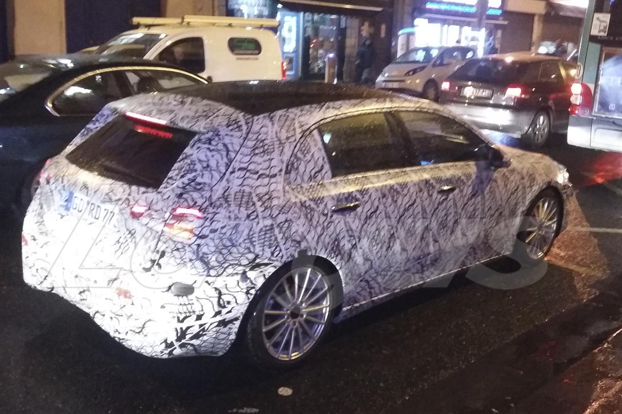 Mercedes Classe A 2018 : elle circule camouflée à Paris