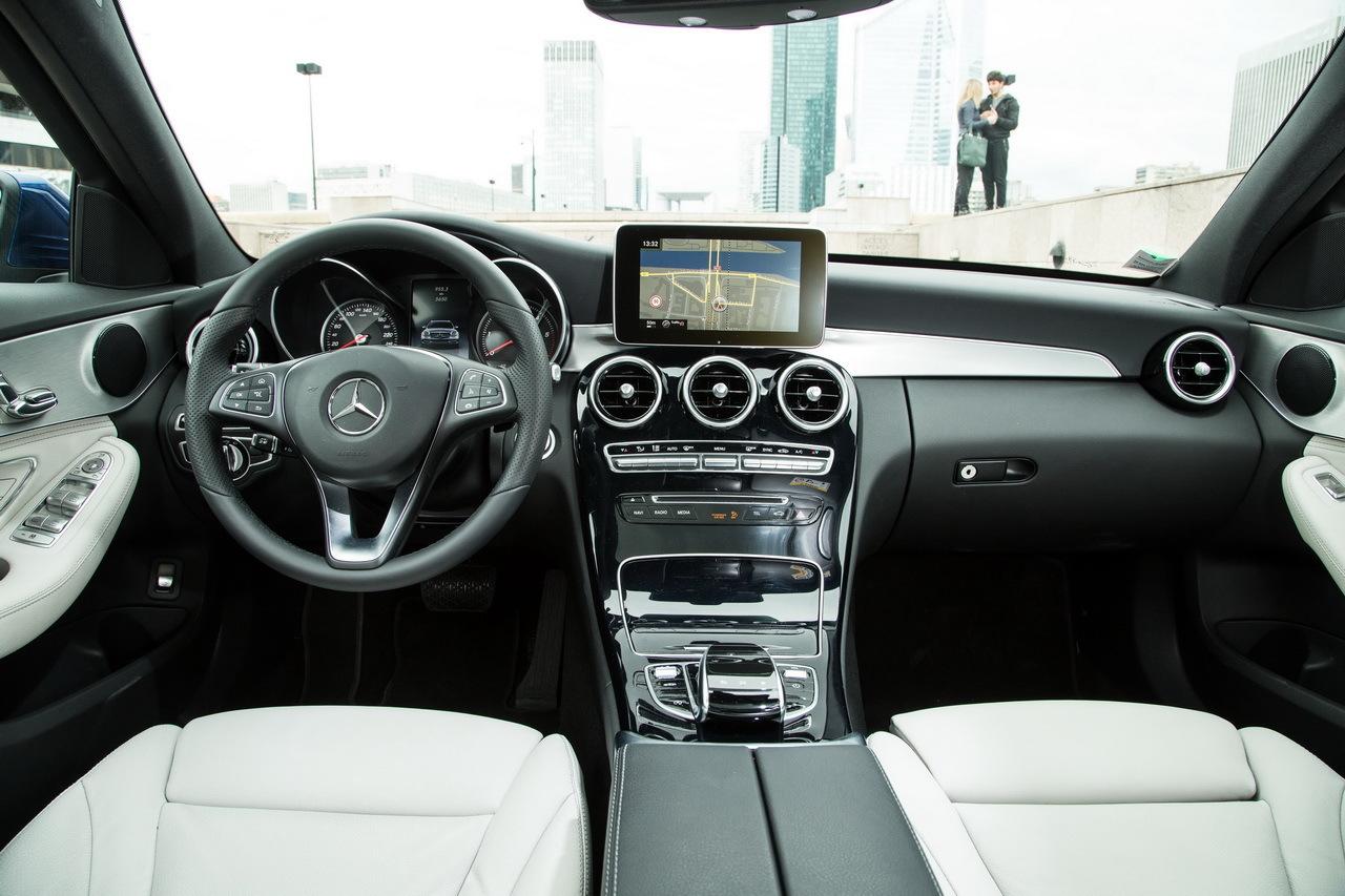 Mustang Vs Camaro >> Essai comparatif : Audi A4 Avant 2016 vs Mercedes Classe C ...