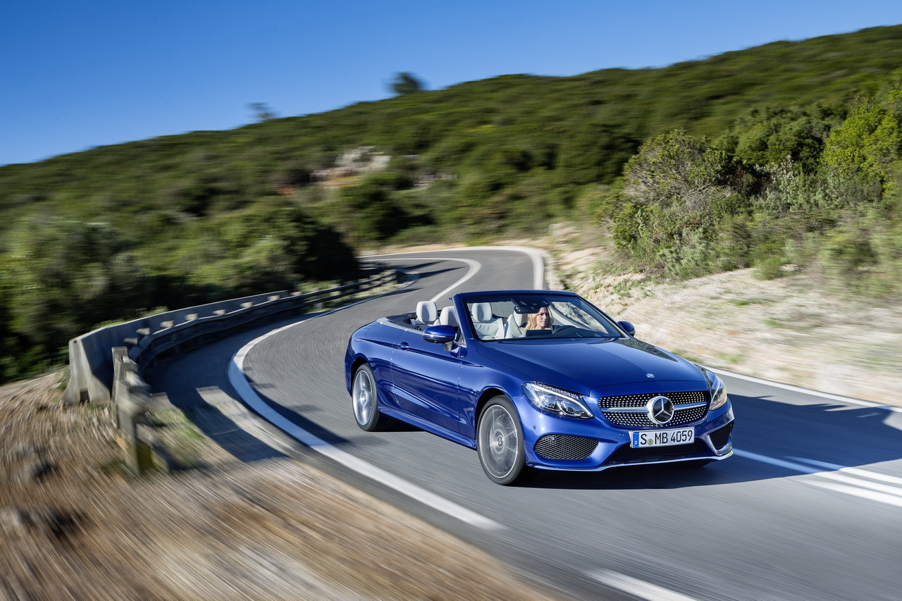 Mercedes classe c cabrio 2016 photos et infos for Mercedes benz two seater