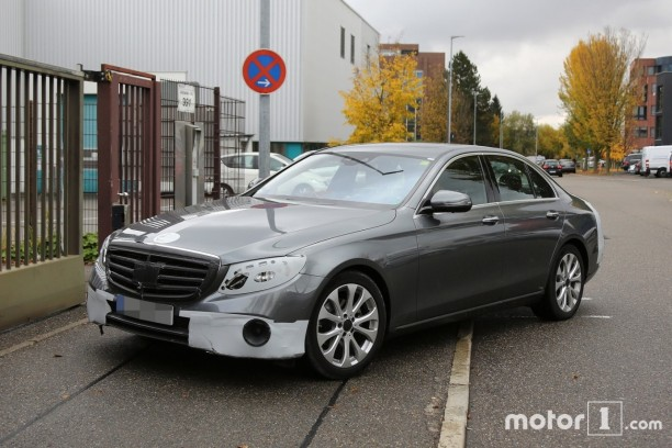 Mercedes classe e 2016 premi res photos officielles for Classe e interieur 2016