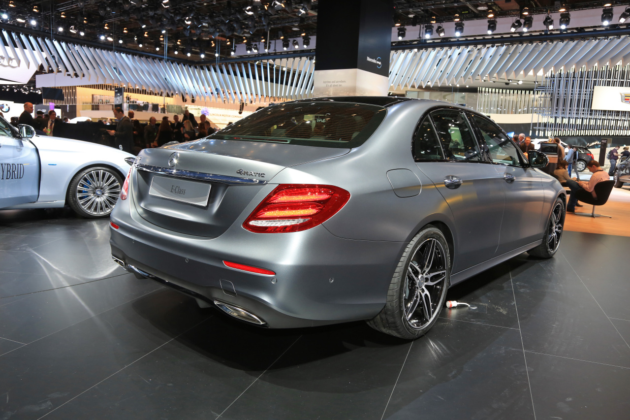 mercedes classe e 2016 l 39 d j bord au naias 2016 photo 4 l 39 argus. Black Bedroom Furniture Sets. Home Design Ideas