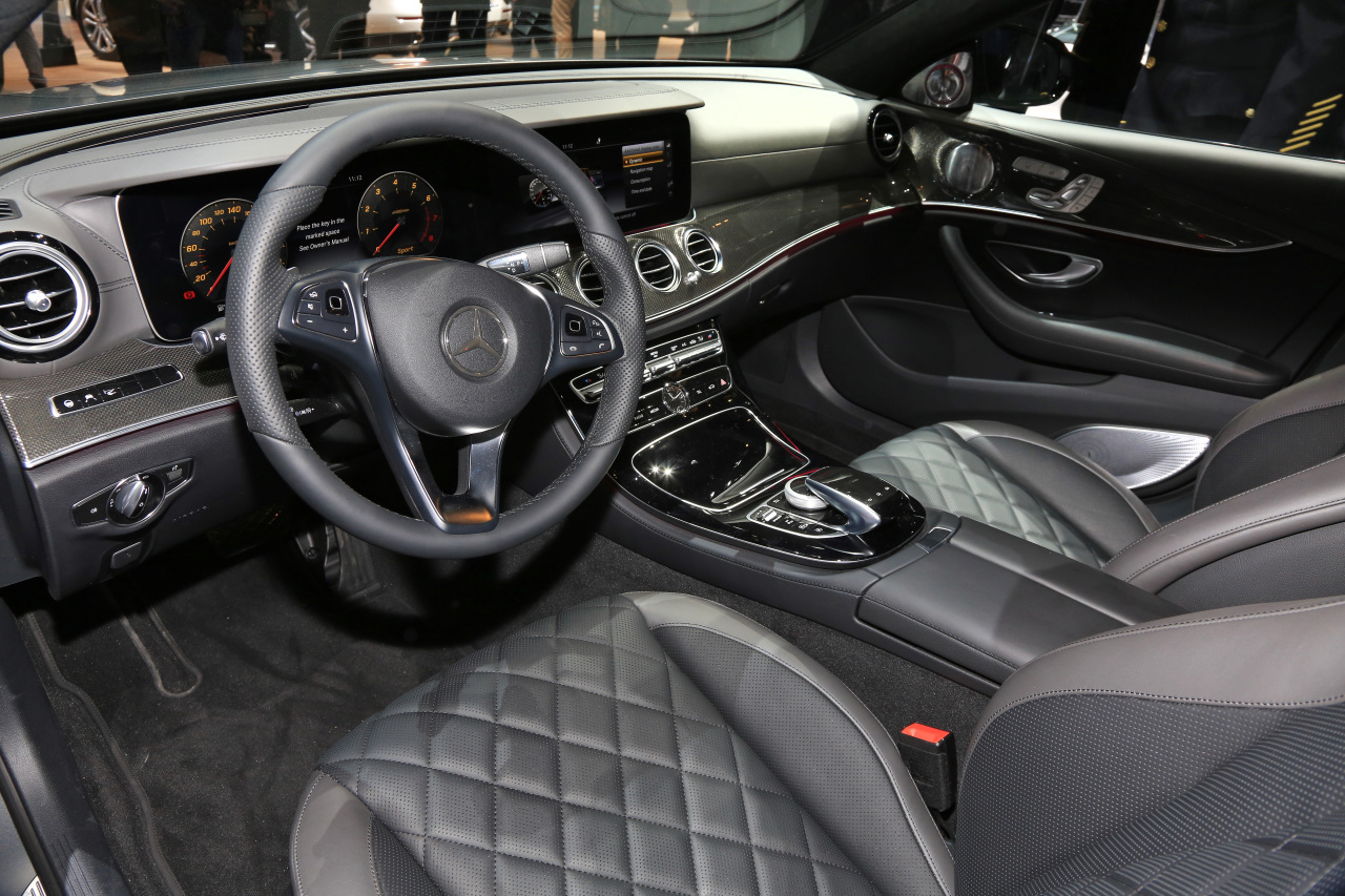 mercedes classe e 2016 l 39 d j bord au naias 2016 photo 8 l 39 argus. Black Bedroom Furniture Sets. Home Design Ideas