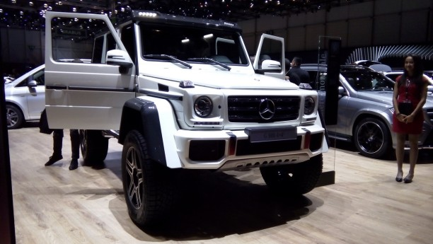 mercedes g 500 4x4 2015 l 39 auto la plus haute perch e du salon l 39 argus. Black Bedroom Furniture Sets. Home Design Ideas
