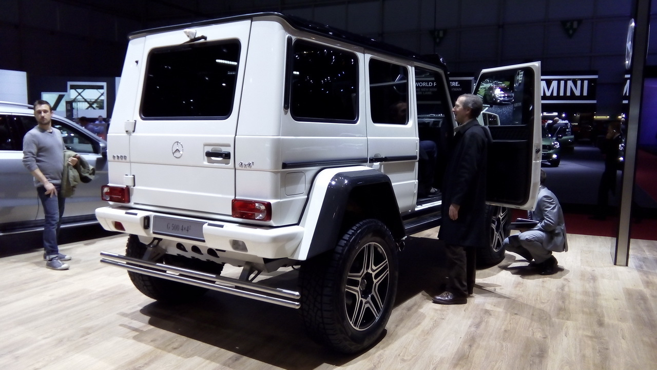 mercedes g 500 4x4 2015 l 39 auto la plus haute perch e du salon photo 6 l 39 argus. Black Bedroom Furniture Sets. Home Design Ideas