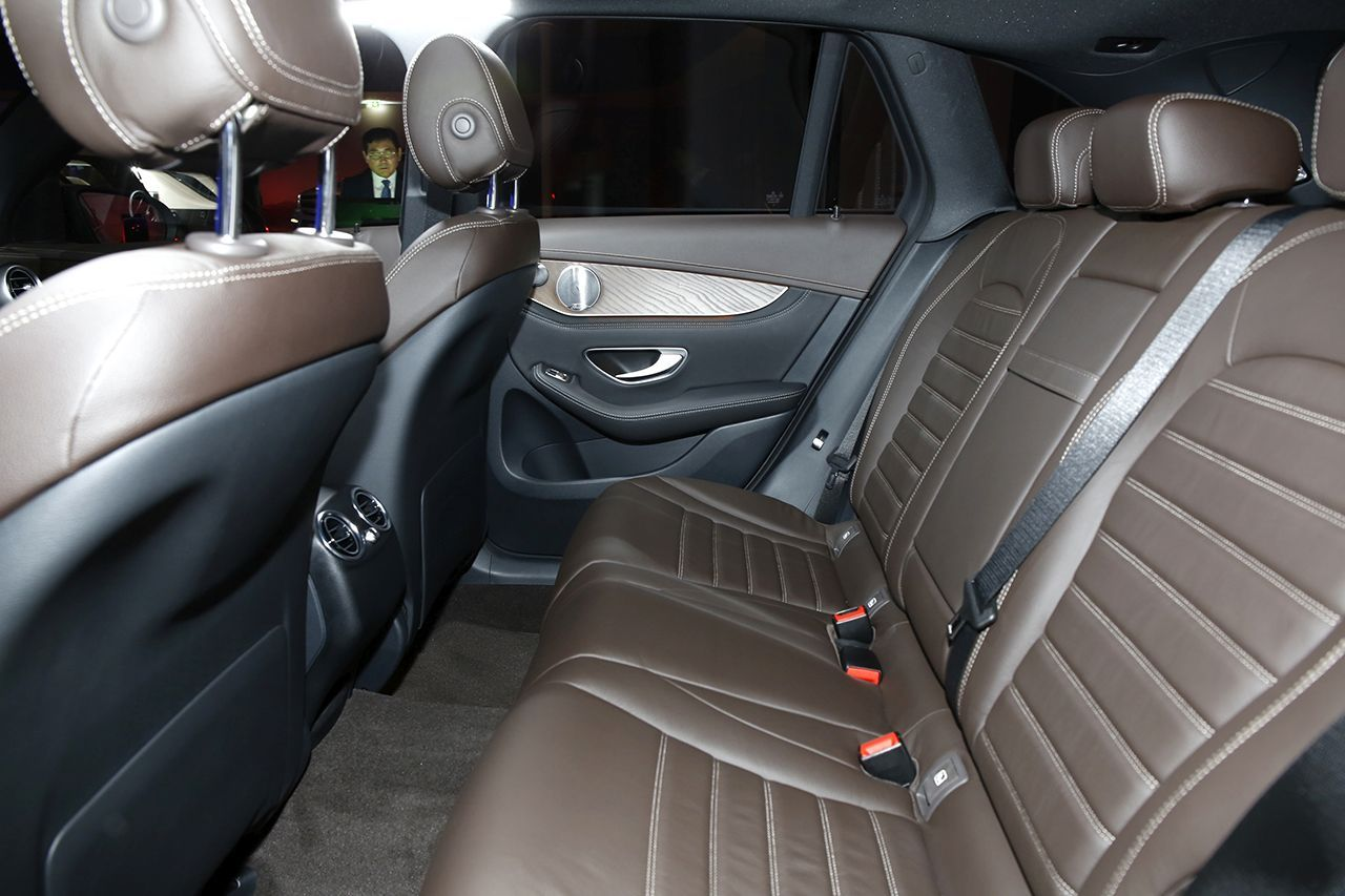 Mercedes glc 350 e 2015 le glc en mode hybride for Photos interieur