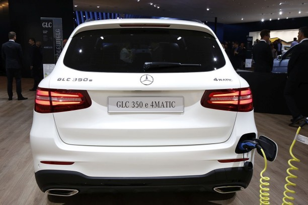 mercedes glc 350 e 2015 le glc en mode hybride rechargeable l 39 argus. Black Bedroom Furniture Sets. Home Design Ideas
