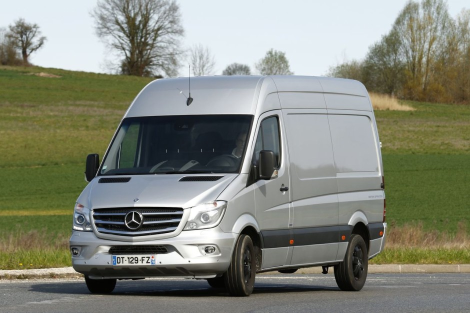 essai mercedes sprinter l2h2 319 cdi bluetec edition sprinter 2016 photo 1 l 39 argus. Black Bedroom Furniture Sets. Home Design Ideas