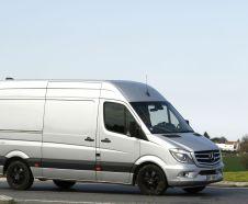 Dot� d'un V6 diesel de 3.0 d�livrant 190 ch, le Mercedes Sprinter L2H2 319 CDI BlueTEC ��Edition Sprinter�� est factur� 50 282 � HT.