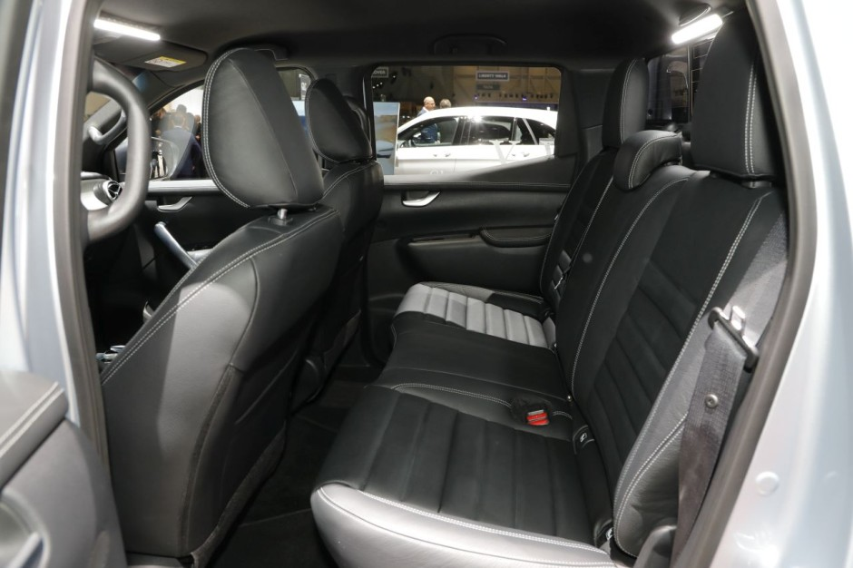 mercedes classe x 350d le v6 en premi re mondiale gen ve photo 6 l 39 argus. Black Bedroom Furniture Sets. Home Design Ideas