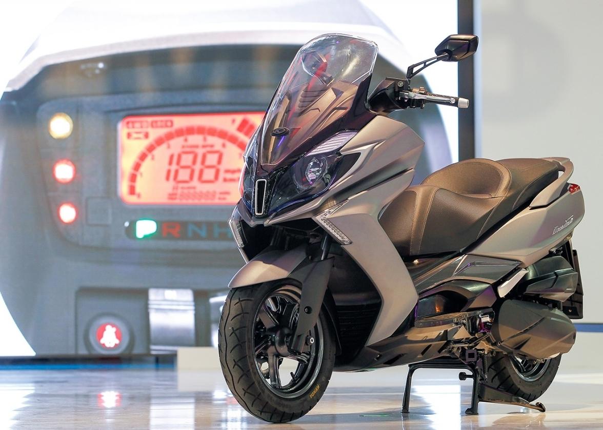 scooters toutes les nouveaut s du salon de milan eicma 2015 photo 13 l 39 argus. Black Bedroom Furniture Sets. Home Design Ideas