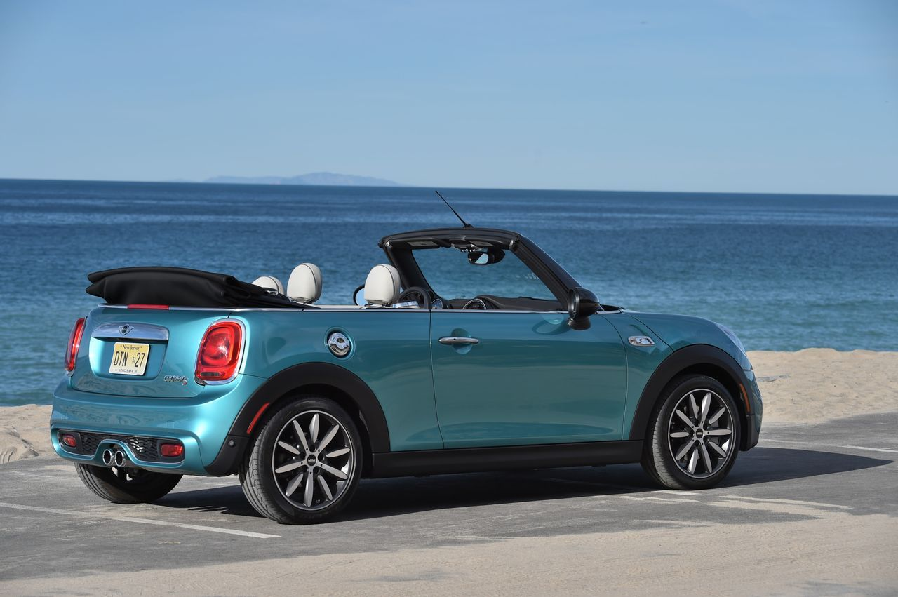 essai mini cabrio cooper s notre avis sur le cabriolet mini 2016 photo 10 l 39 argus. Black Bedroom Furniture Sets. Home Design Ideas