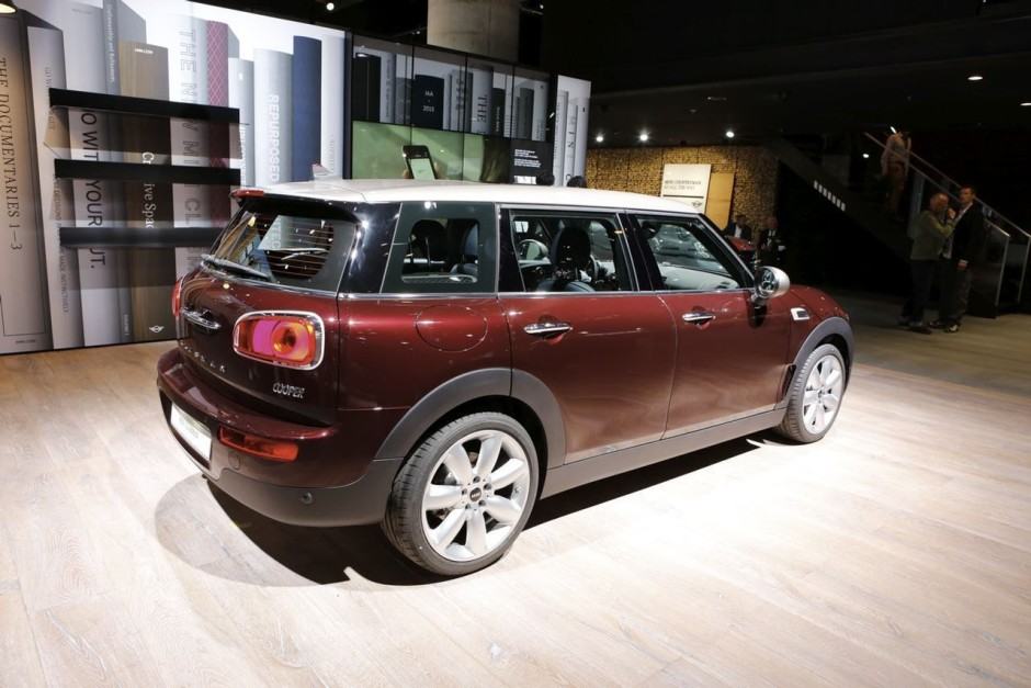 mini clubman 2016 nos premi res impressions bord. Black Bedroom Furniture Sets. Home Design Ideas