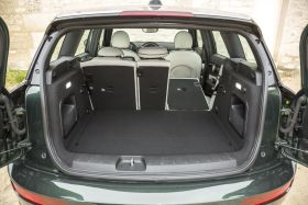 essai comparatif la mini clubman 2015 face l 39 audi a3 sportback l 39 argus. Black Bedroom Furniture Sets. Home Design Ideas