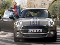 essai mini cooper 2014 fid le et moins rebelle l 39 argus. Black Bedroom Furniture Sets. Home Design Ideas