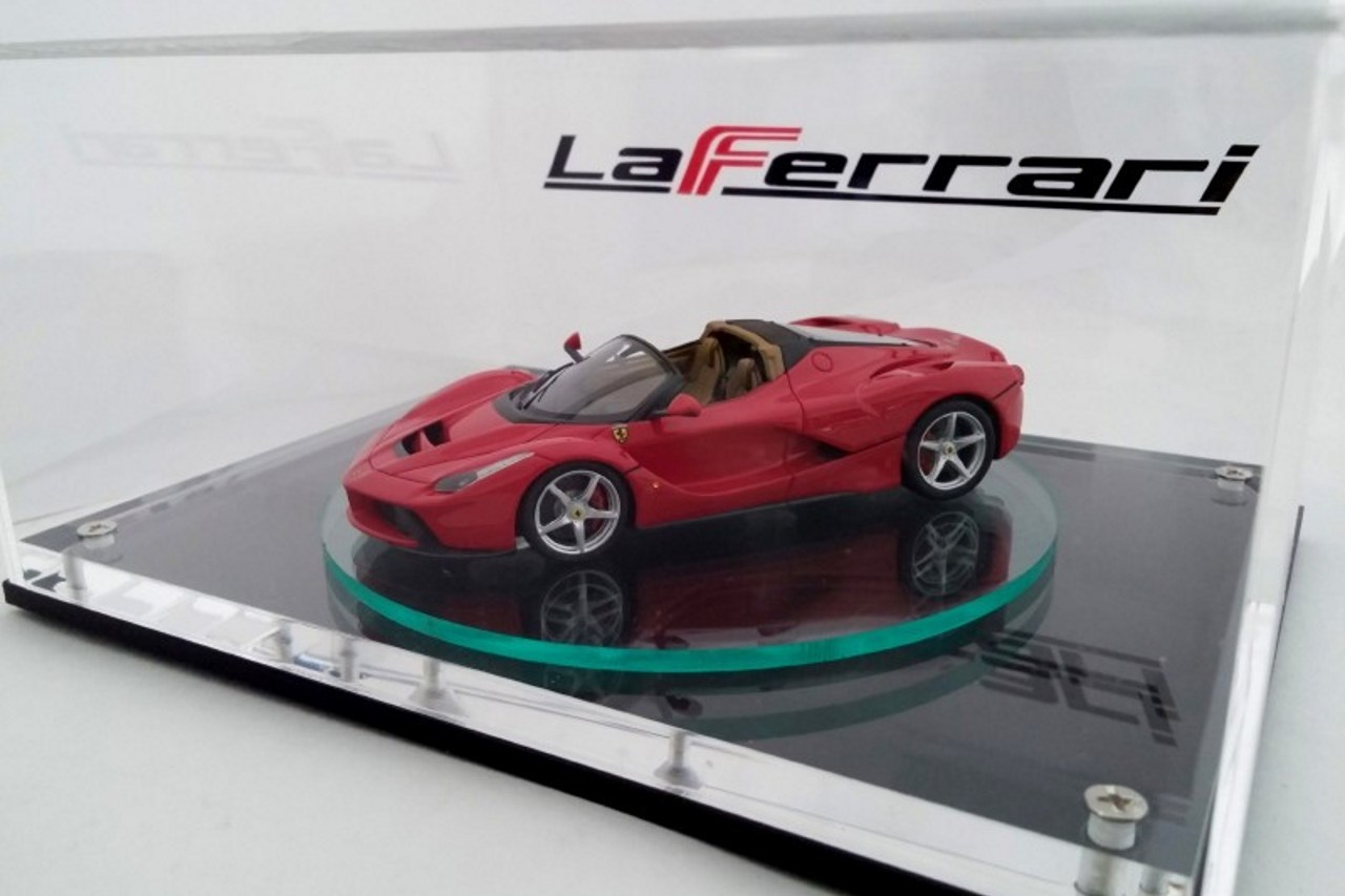 ferrari laferrari spider sa miniature est d j l l 39 argus. Black Bedroom Furniture Sets. Home Design Ideas