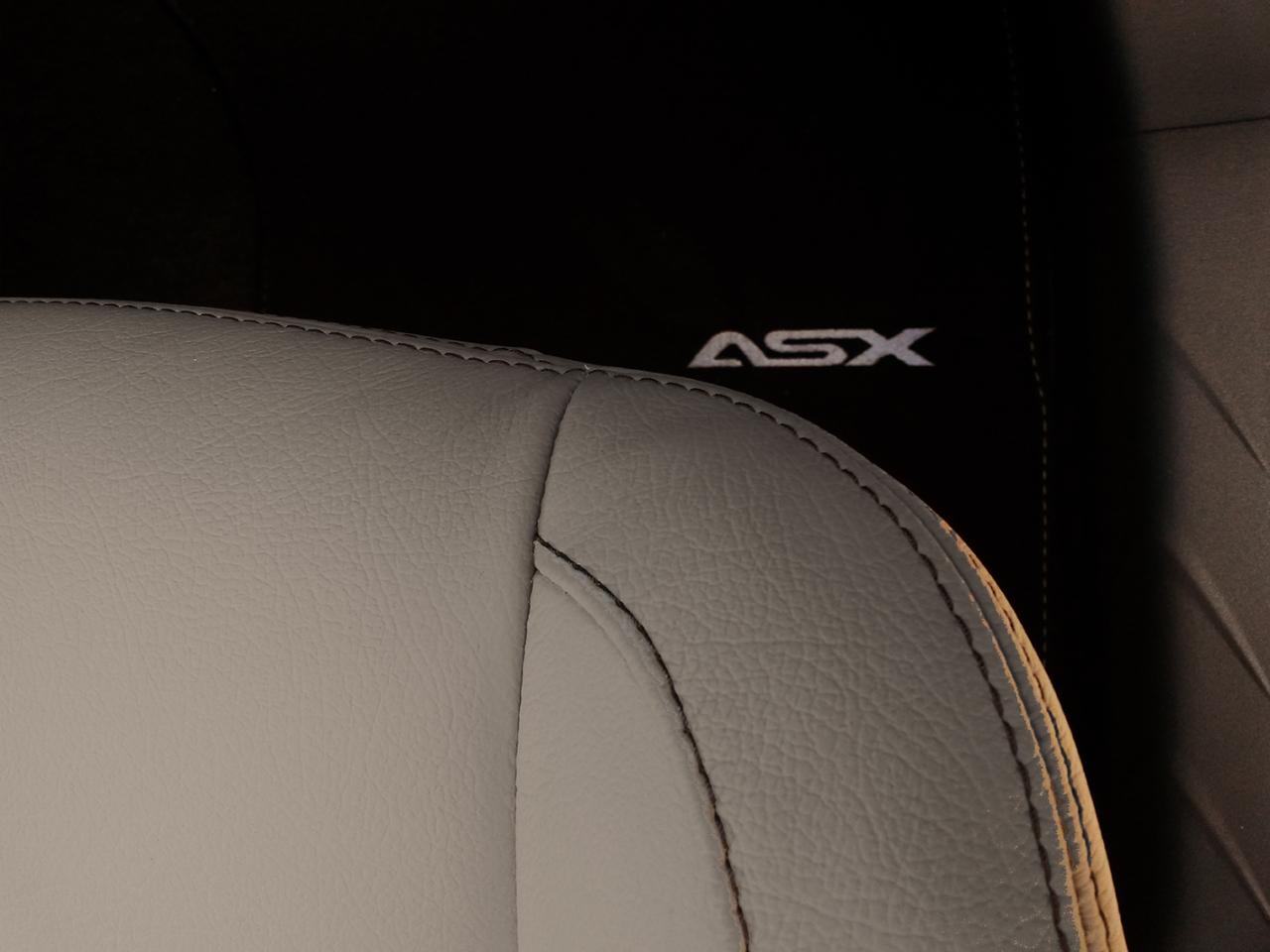 mitsubishi asx s concept 2015 nouvelle s rie sp ciale photo 3 l 39 argus. Black Bedroom Furniture Sets. Home Design Ideas