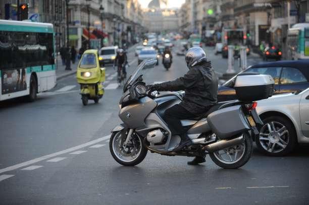 Conduire moto en ville