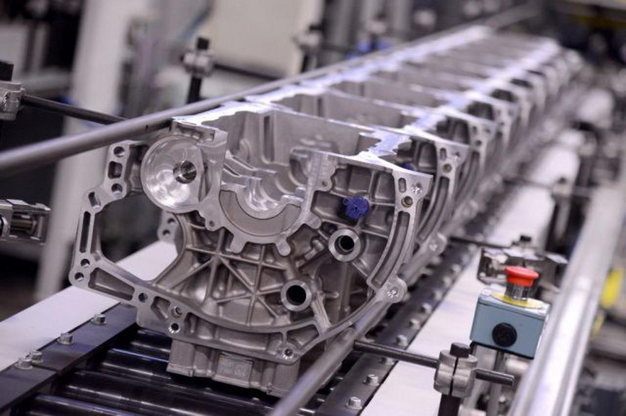 le futur moteur psa  puretech  ch  tremery en