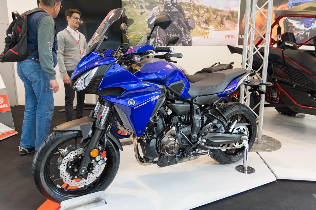 motos scooters des nouveaut s deux roues au mondial de l 39 auto 2016 yamaha tracer 700 l 39 argus. Black Bedroom Furniture Sets. Home Design Ideas