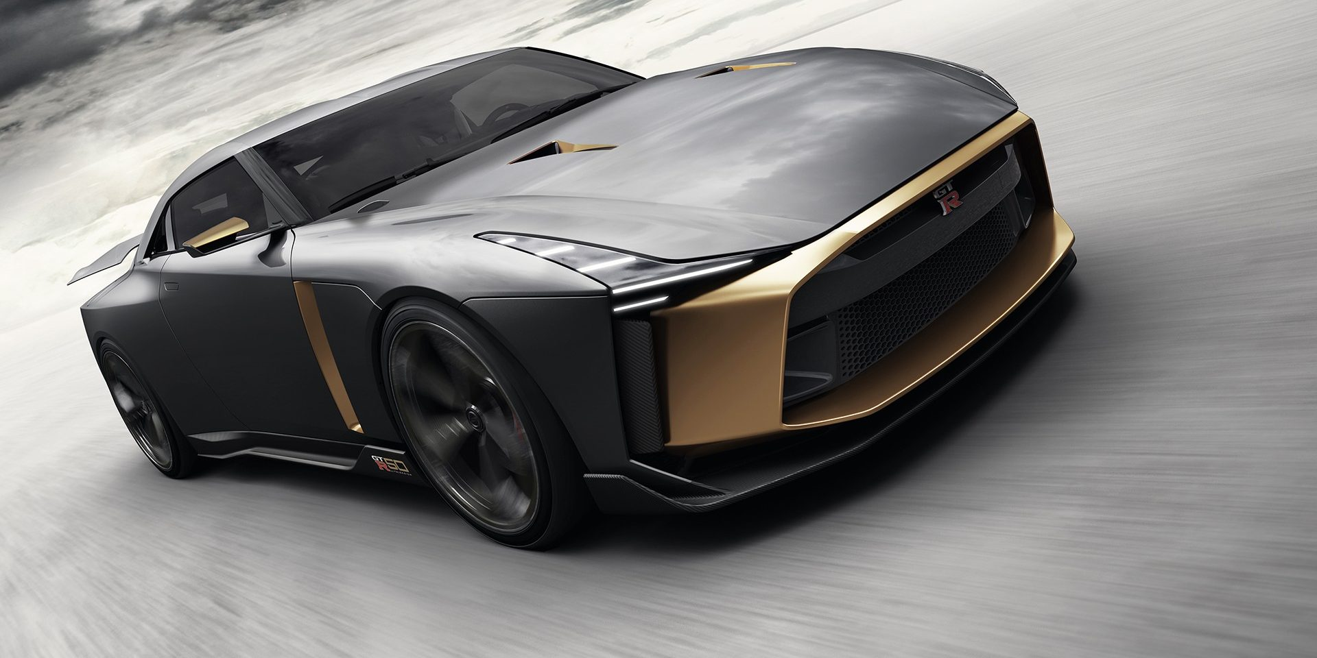 la nissan gt r et italdesign f tent leurs 50 ans 720 ch au programme photo 1 l 39 argus. Black Bedroom Furniture Sets. Home Design Ideas