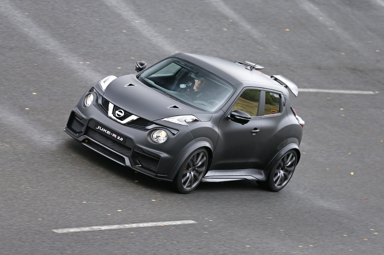 essai nissan juke r 2 0 j 39 ai conduit un suv urbain de 600 ch photo 2 l 39 argus. Black Bedroom Furniture Sets. Home Design Ideas