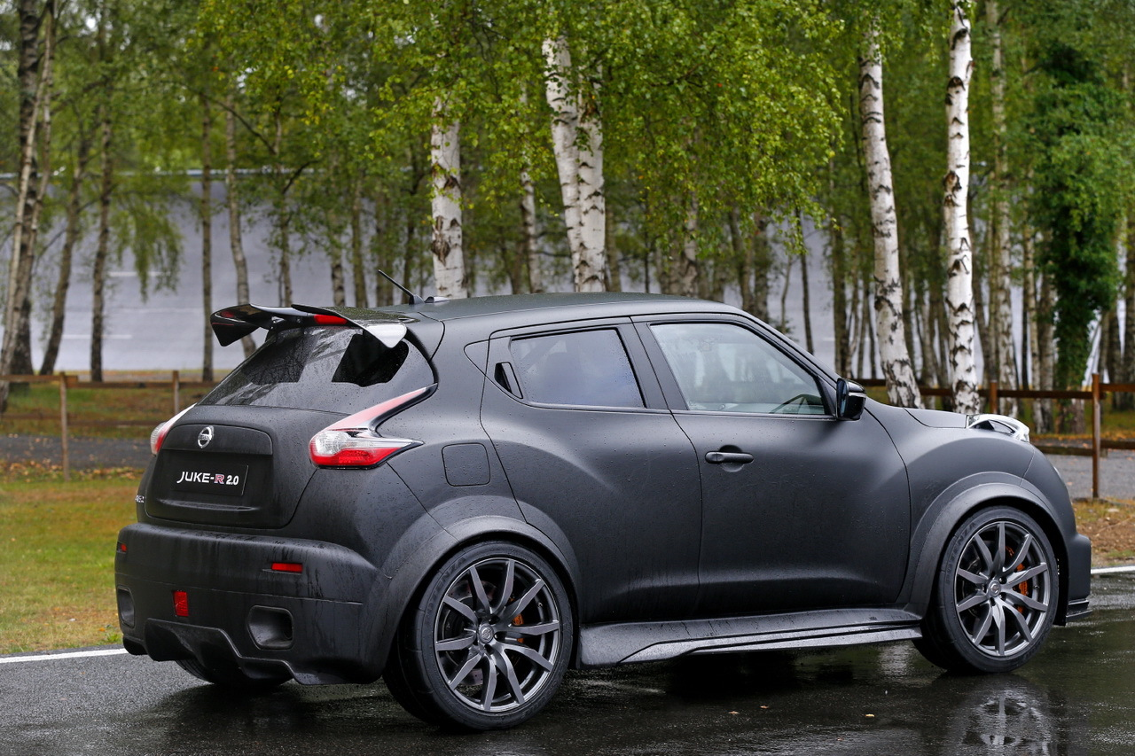 essai nissan juke r 2 0 j 39 ai conduit un suv urbain de 600 ch photo 4 l 39 argus. Black Bedroom Furniture Sets. Home Design Ideas