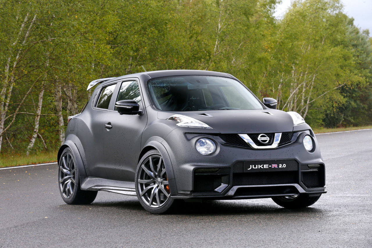 essai nissan juke r 2 0 j 39 ai conduit un suv urbain de. Black Bedroom Furniture Sets. Home Design Ideas
